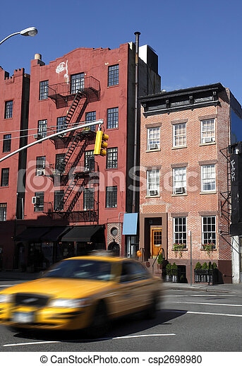 Apartment building in nyc - csp2698980