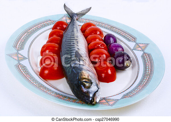 mackerel with cherry tomatoes and red onions