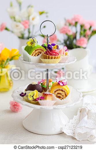 tè, Torte, pomeriggio - csp27123219