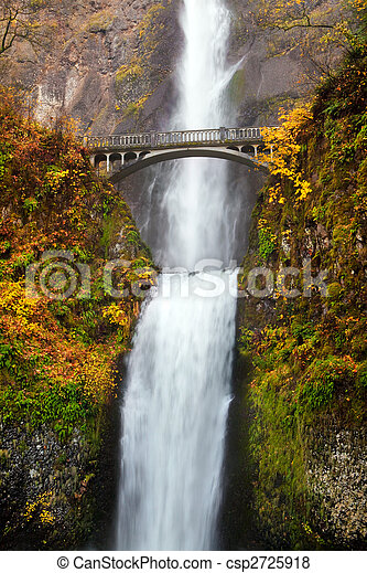 waterfall - multnomah falls in Oregon - csp2725918