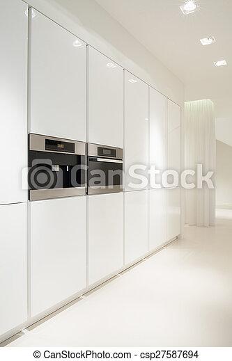 Stock fotografieken van witte, keuken   witte, schoonmaken, keuken ...