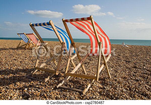 image de pont soleil venteux chaise longue chaise plage jour csp2780487 recherchez. Black Bedroom Furniture Sets. Home Design Ideas