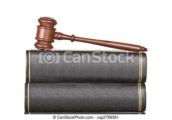 Wooden gavel and law books - csp2789361