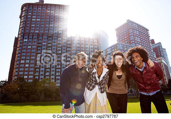 城市, 年輕 成人 - csp2797787