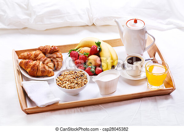 Immagini di colazione letto colazione in letto - Vassoio da letto colazione ...