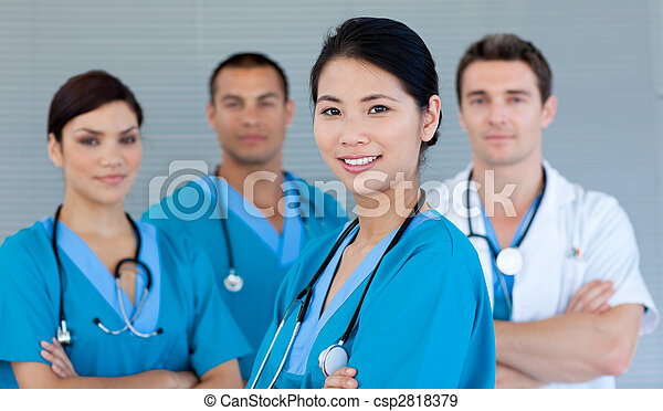médico, equipo, sonriente, cámara - csp2818379