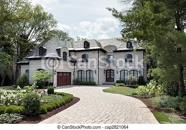 Luxury home with circular driveway - csp2821064