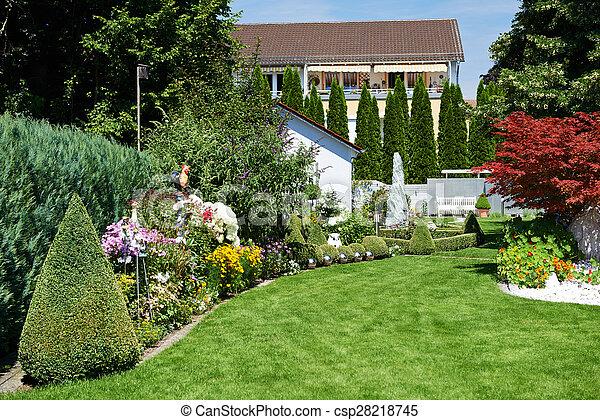 Stock de fotos de paisaje flores dise o jard n pasto o for Jardin 5 esquinas