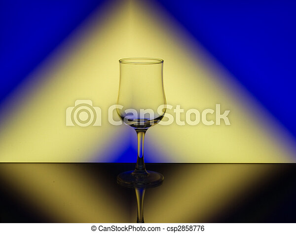 Wine Glass Refraction Pattern - csp2858776