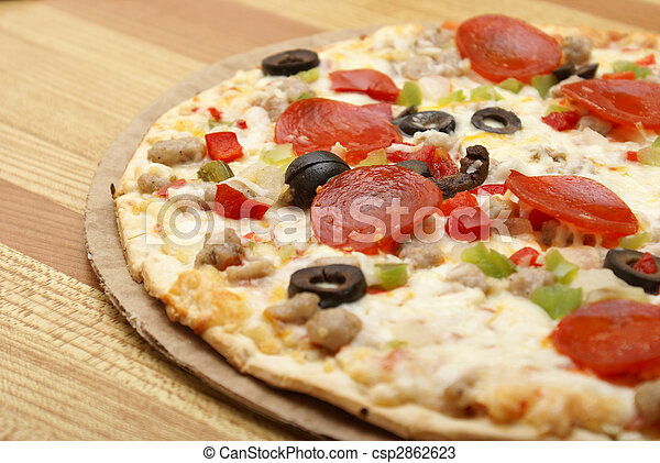 Thin Crust Deluxe Pizza - csp2862623