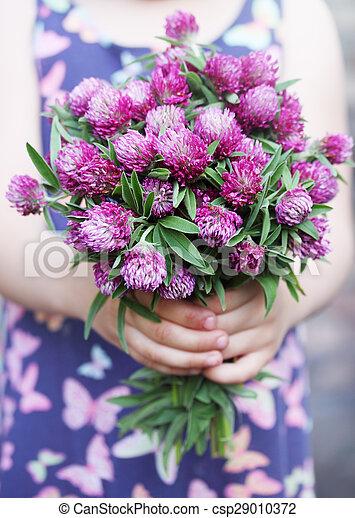 Image de bouquet dans mains beau bouquet de sauvage for Beau bouquet de fleurs