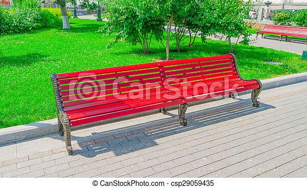 photos de rouges bois banc vieux rouges bois banc dans ville csp29059435. Black Bedroom Furniture Sets. Home Design Ideas