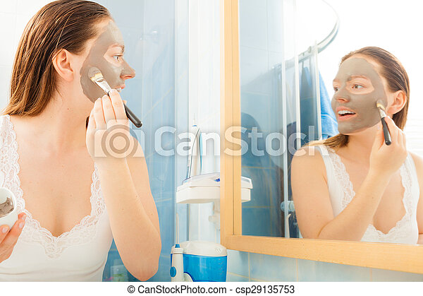 Masques de boue faciale