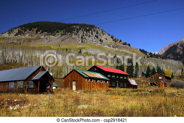 Historic town in the middle of rockies - csp2918421