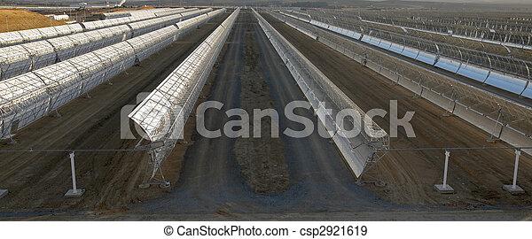 Banque de photographies de solaire parabolique miroirs for Miroir solaire parabolique