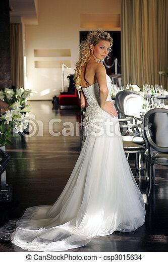 Bride in white wedding dress - csp3015634