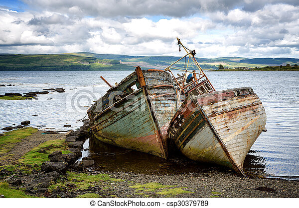 Pictures of Shipwrecks - Two abandoned fishing boats in Salen ...