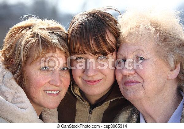 familia, tres, Uno, retrato, generaciones, mujeres - csp3065314