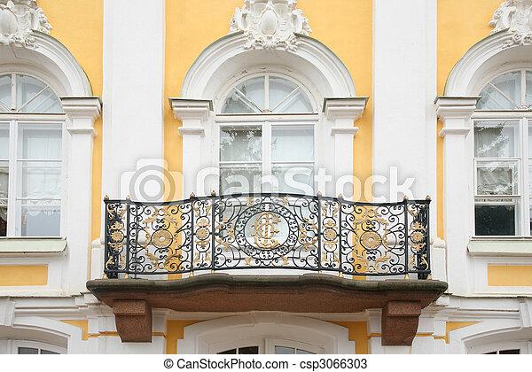 Photos de baroque balcon fa ade maison peterhof for Facade maison avec balcon