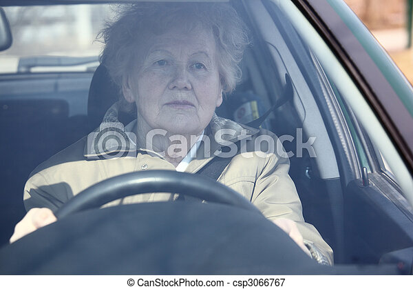 auto frau, senioren - csp3066767