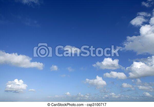 bleu, beau, nuages, ciel, ensoleillé, blanc, jour - csp3100717