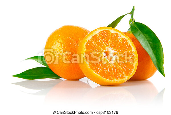 fresh tangerine fruits with green leaves isolated - csp3103176