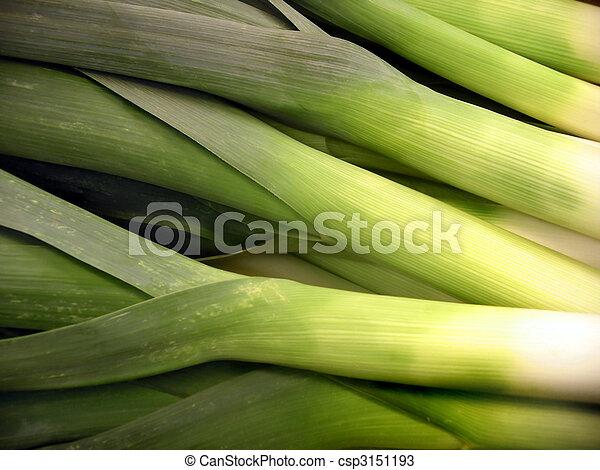 Photos de poireaux tas de frais vert poireaux sur vente dans csp3151193 - Poireaux a repiquer vente ...