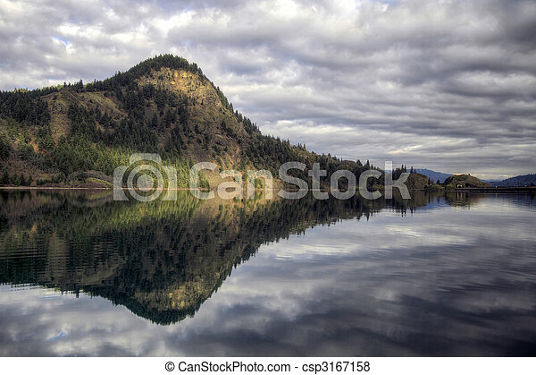Drano Lake along Columbia River Gorge - csp3167158