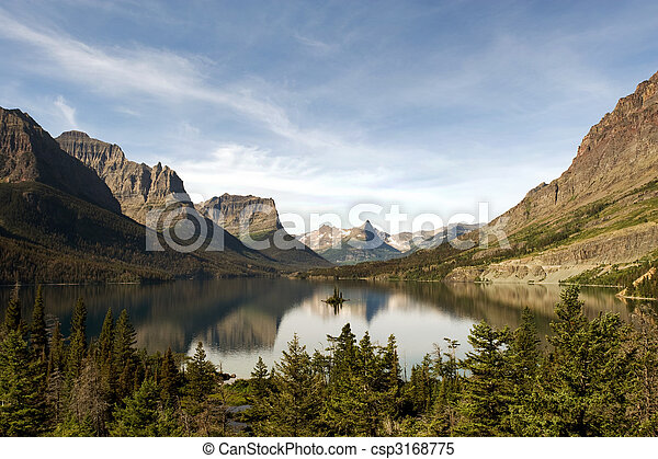 St Mary Lake with Wild Goose Island - csp3168775