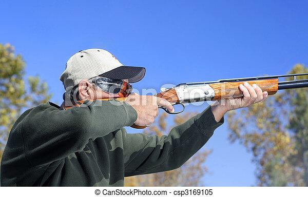 hombre, disparando, escopeta - csp3169105