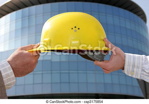 A protective engineer\'s helmet - csp3175854