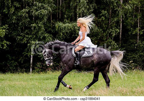 stockfoto von sch ne graue pferd frau reiten blond beautiful csp31884041 suche. Black Bedroom Furniture Sets. Home Design Ideas