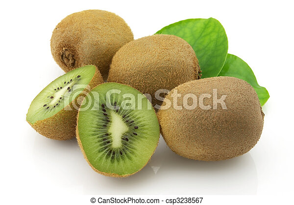 Kiwi with leaves - csp3238567