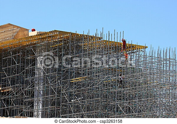 Construction of the bridge and scaffolding - csp3263158
