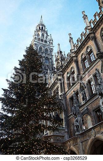 Munich Neues Rathaus - csp3268529