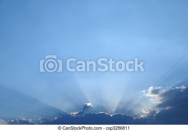 sky with sun coming through the cloud - csp3286811