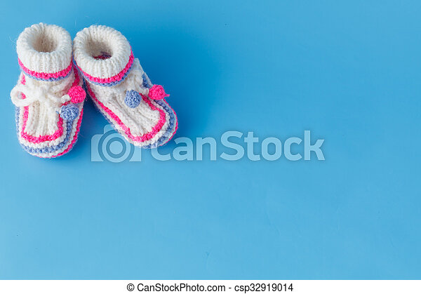 knitted baby booties - csp32919014