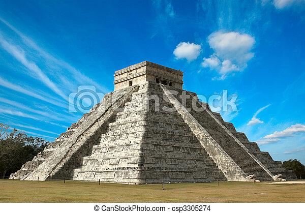 Mayan pyramid in Chichen-Itza, Mexico - csp3305274