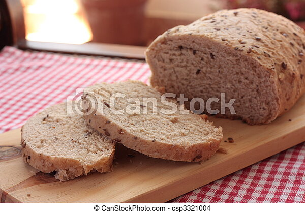 Sliced wholemeal bread with seeds - csp3321004