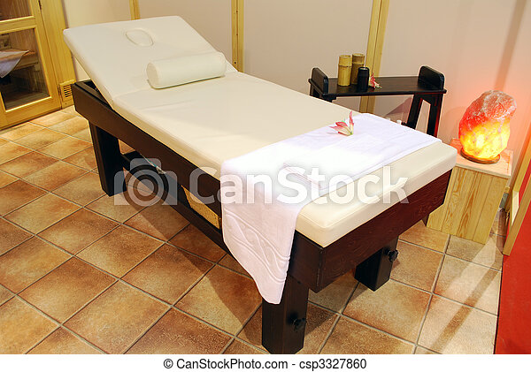 stock foto spa entspannung bett f r massage stock. Black Bedroom Furniture Sets. Home Design Ideas