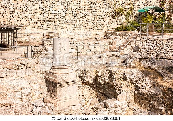 Images de restes j rusalem piscine bethesda restes for Piscine de bethesda
