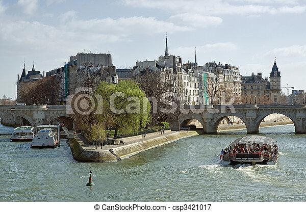 Cite island, sunny spring day in Paris - csp3421017