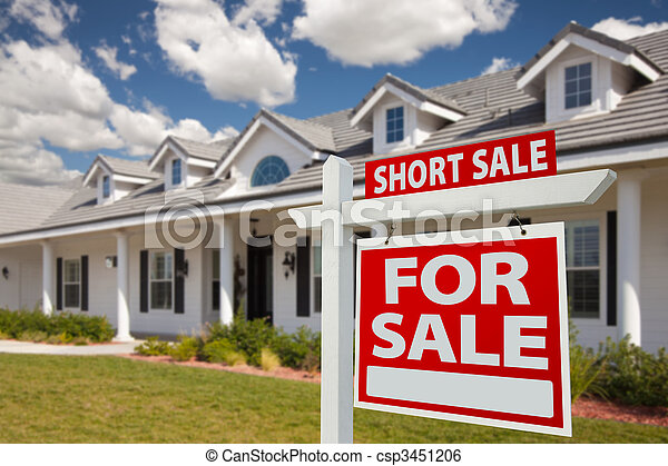 Short Sale Real Estate Sign and House - Right - csp3451206