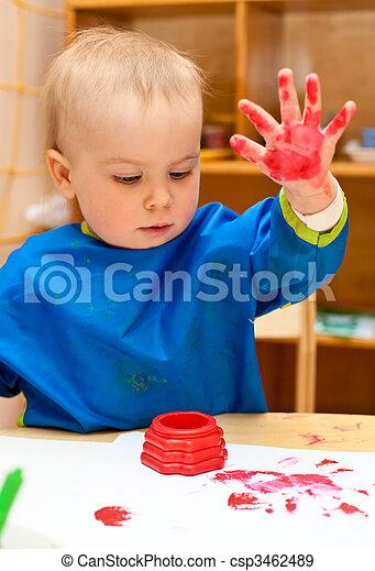Banque de photographies de enfant peinture main peu girl faire doigt peinture csp3462489 - Peinture main enfant ...