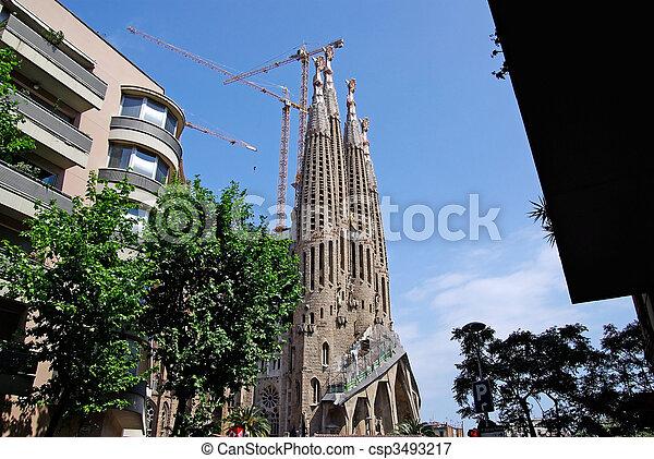 Sagrada Familia church with apartments nearby. Barcelona, Spain. 2009 - csp3493217