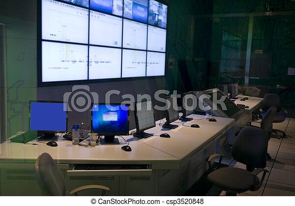 kommando, centrera - csp3520848