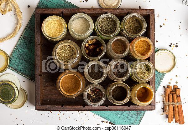 Stock foto van keuken, doosje, ingredienten, keukenkruiden, houten ...