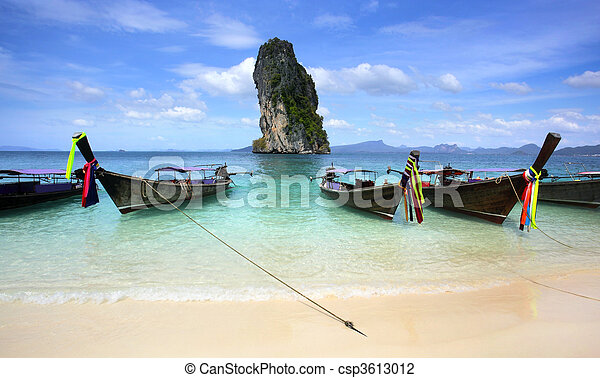 Koh Poda Beach Krabi, Southern Thailand - csp3613012