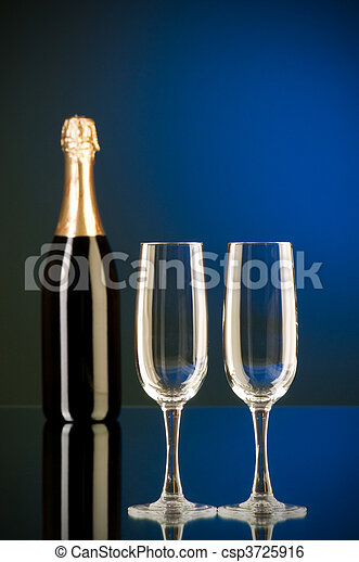 Champagne against color gradient background - csp3725916