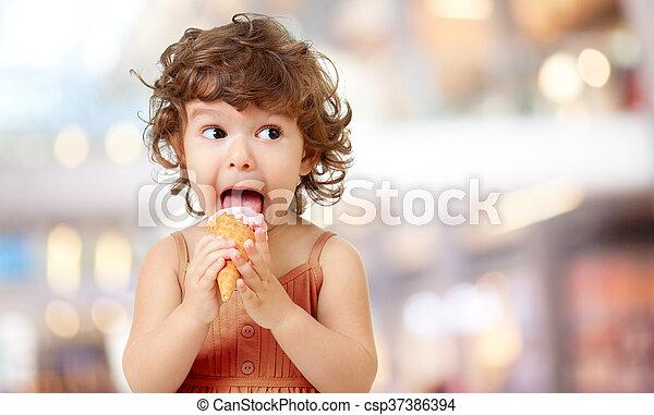 食べること, 巻き毛, outdoor., funy, 氷, アイスクリーム, cafe., 子供, クリーム, 子供 - csp37386394